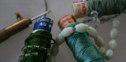 fils de soie, perles, crochet de Lunéville