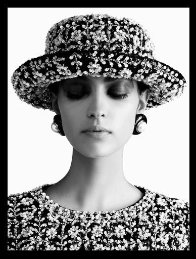 Vêtement et chapeau brodés Chanel Haute-Couture Automne-Hiver 2017-2018