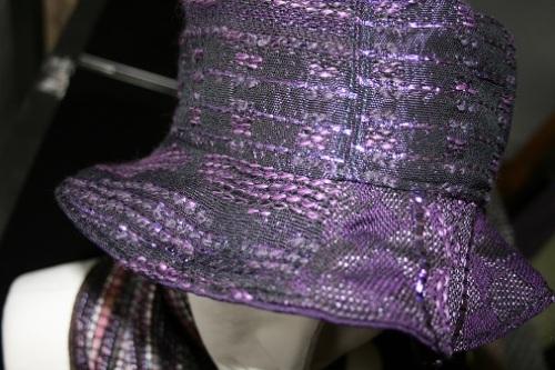 chapeau violet tweed Chanel