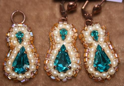 strass et perles brodees