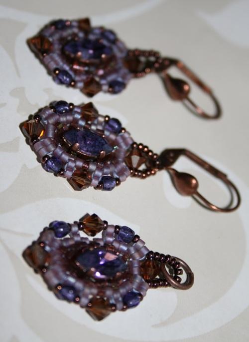 parure violette tissage a l'aiguille