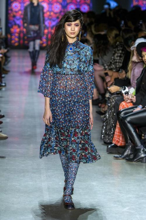 defile-anna-sui-automne-hiver-2018-2019-new-york-look-21
