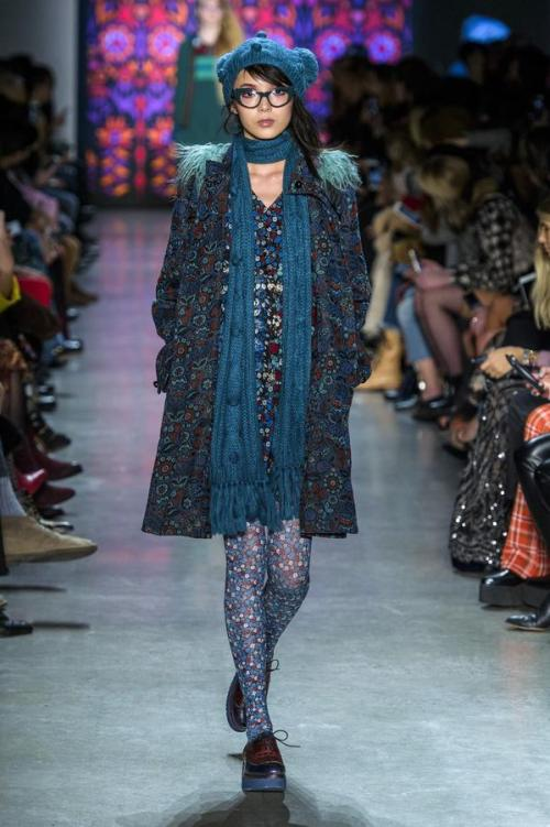 defile-anna-sui-automne-hiver-2018-2019-new-york-look-25