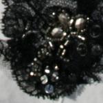 Bijoux brodés, créations Karine Larivière