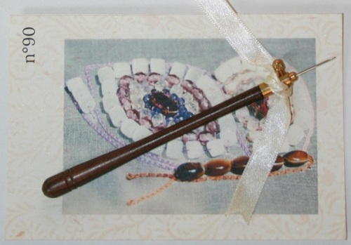 Crochet de Lunéville n°90 Bois precieux